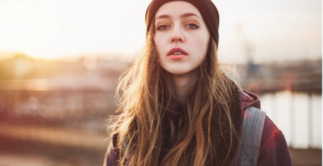 portrait-of-a-hipster-girl-at-sunset
